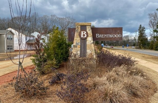 Brentwood-Charlotte 28215